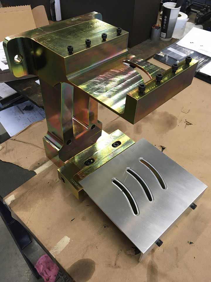 Traitement de surface de métal et CNC